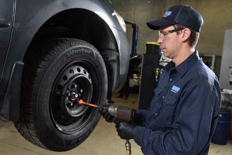 Poseur(se) de pneus recherché(e)