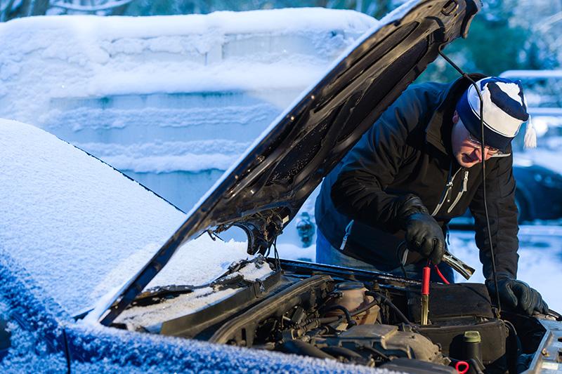 Peur que votre batterie vous laisse tomber cet hiver? Voici 5 conseils pour éviter les soucis.